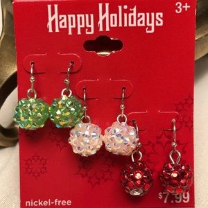 🎄Set of 3 Holiday Dangle Earrings! 🎉🎊